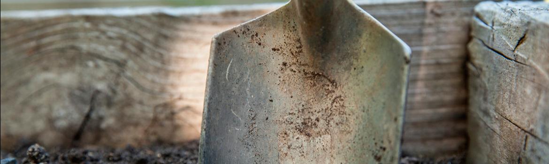 Inventízate de abril Participa en la prueba de abril de nuestra liga de microrrelatos: el duelo del enterrador